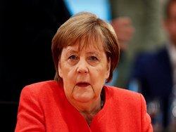Меркель выступила за прямой диалог ЕС с Россией