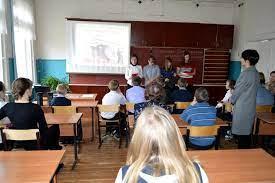 В Пензе подростку пригрозили исключением из школы за карикатуру на «Единую Россию» и Путина