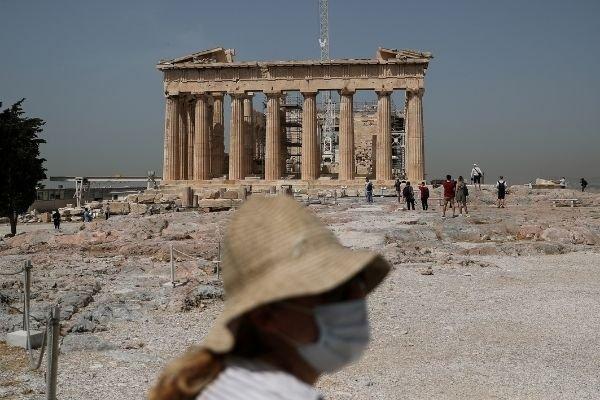 Греция изменила правила въезда для россиян из-за вспышки