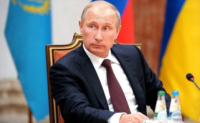 «Кремль достиг того, на что рассчитывал». На Украине обсуждают заданную Путиным политическую повестку