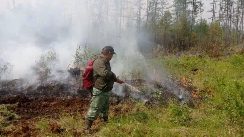 В Якутии распорядились вычесть из зарплаты медиков деньги на тушение пожаров
