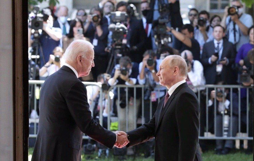 Politico: Байден избегает санкций против Путина и его окружения