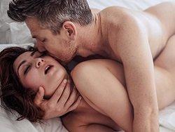 Сексолог назвала способ безопасно заниматься сексом после прививки от COVID-19