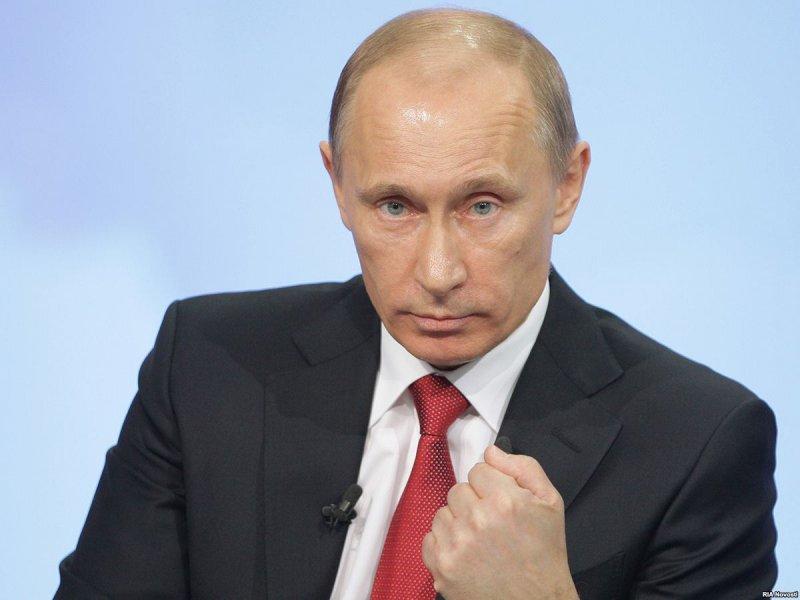 """Политологи о выплатах пенсионерам и военным: """"Путин попытался вытащить рейтинг ЕР"""""""